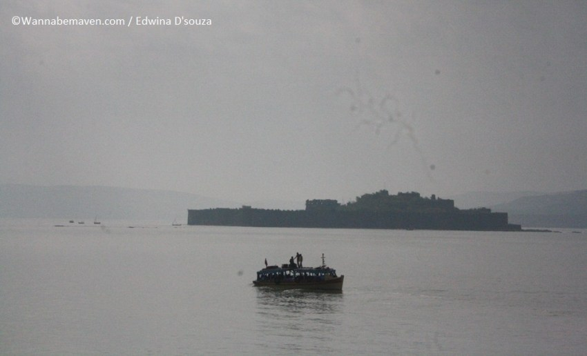 Ferry to murud janjira fort (6) - beaches in maharashtra