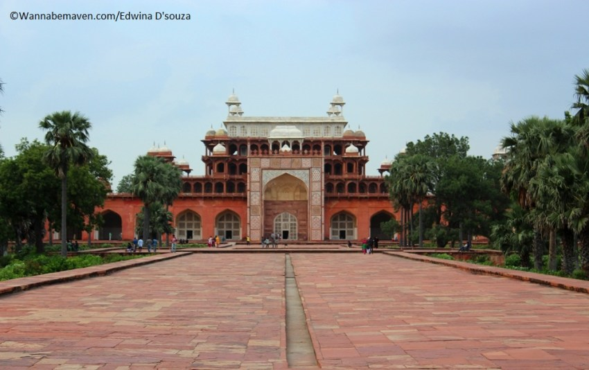 Akbars tomb sikandra - places to visit in agra