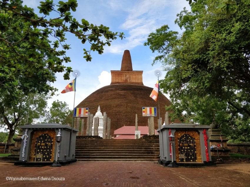 Anuradhapura-backpacking in sri lanka