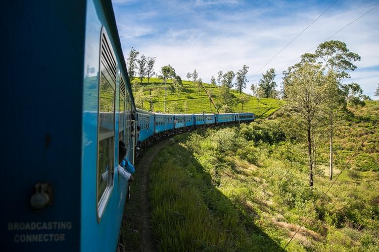 planning a trip to Sri Lanka - train journey in Ella