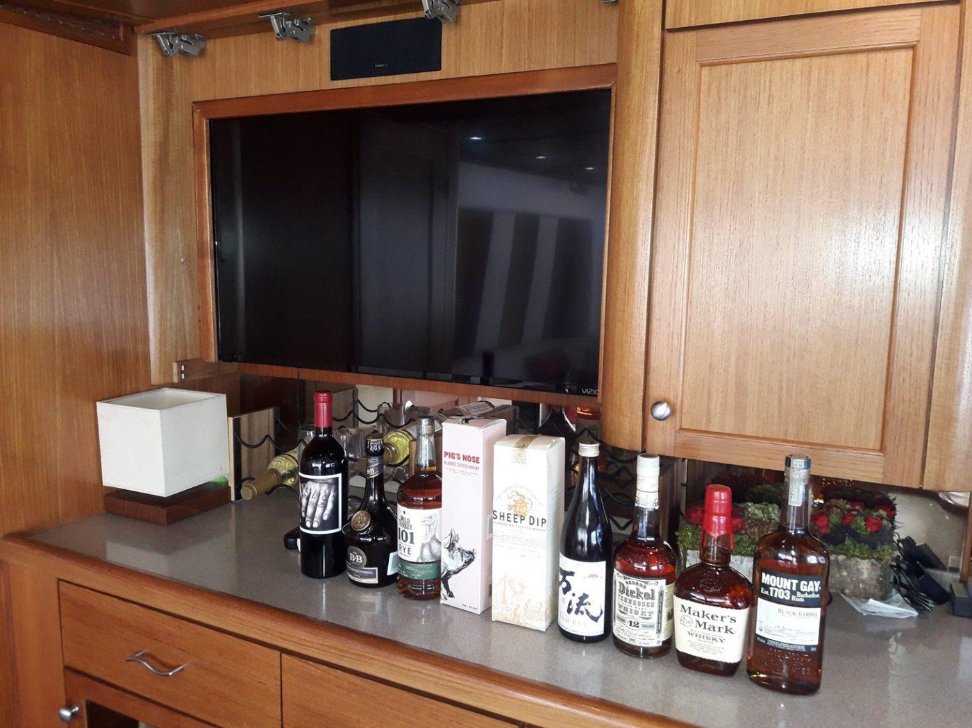 Yacht For Rent Casa De Campo Summer Wind Salon 3 June 2018