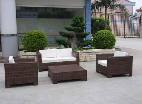 Bulky garden furniture