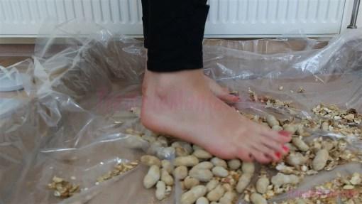 Crystal Barefoot Peanut Crush