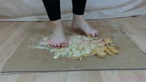 Rachel's Barefoot Biscuit Crushing Video