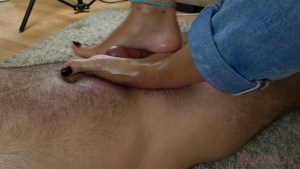 A Foot Job under Crystal's High Arches
