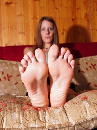 Sandra Foot Model