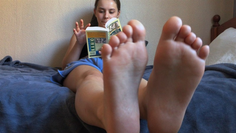 Ellas Small Sexy Feet