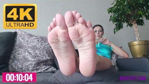 Mashas Smelly Feet