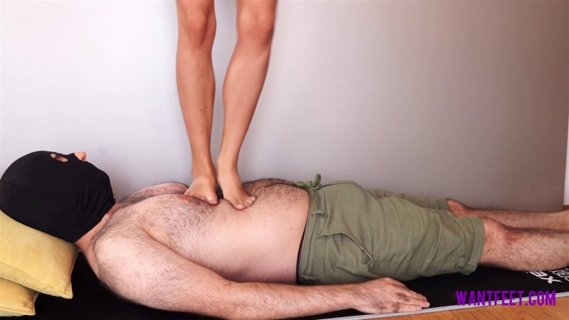 Polly Likes Barefoot Trampling