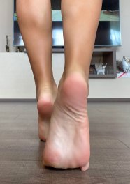 giana foot model