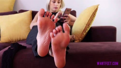 Blonde Girls Perfect Soles