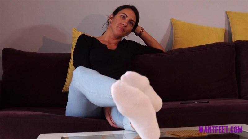 Amazon Sidneys Smelly White Socks