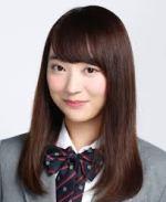 欅坂46の佐藤詩織が美脚で表紙を!ミニスカの美大生画像