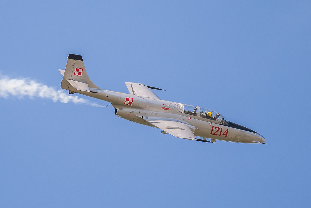 PZL TS-11 Iskra Czech Flying Legends Mig-15 UTI @ Poznan Airshow