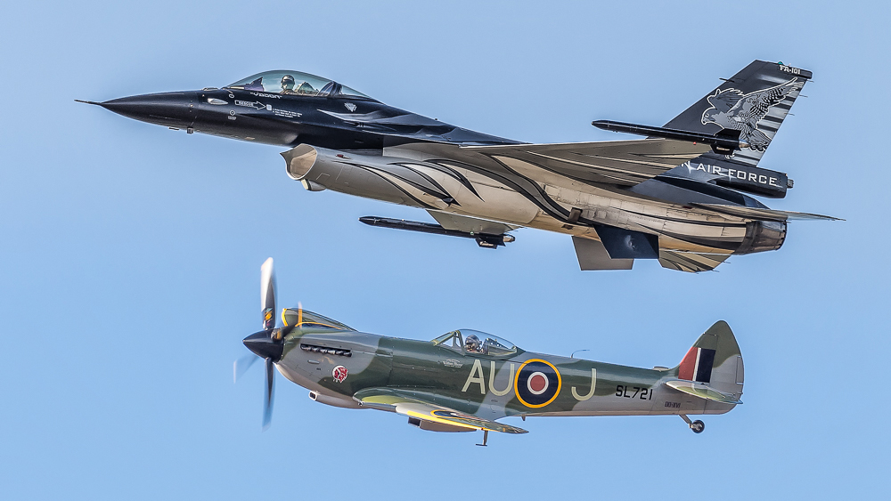 Belguim Air Force F16 Vador and Spitfire SL721 at Belgium Air Force Days 2018