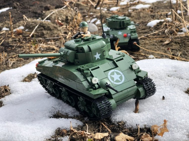 Cobi Sherman Tank in the Snow Warbricks