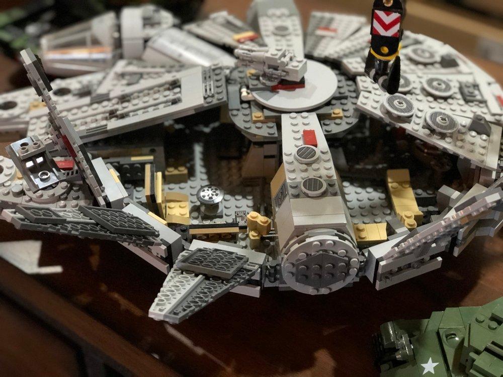 Lego Star Wars millennium falcon set