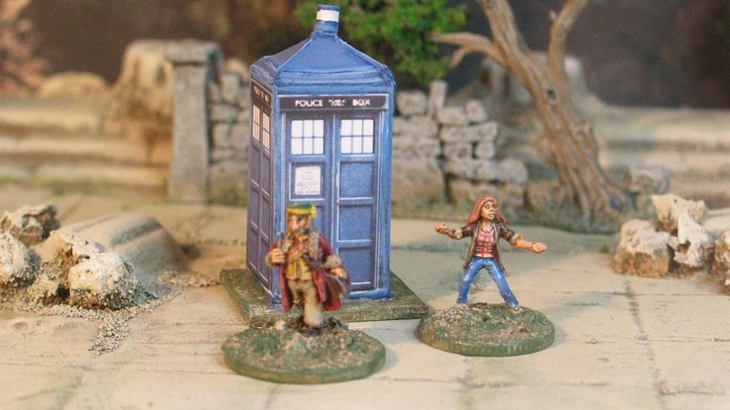 15mm Doctor Who and Tardis