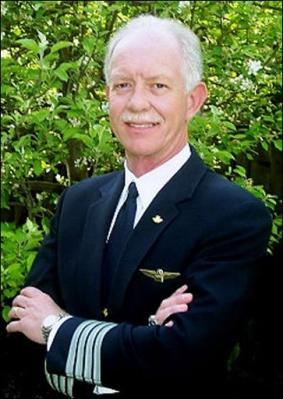 1540759979-portraet-pilot-sullenberger-held-hudson