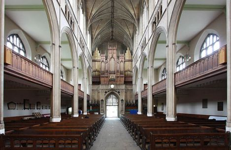 St Luke's Church, Looking west down the nave, John Salmon, 2010, CC BY-SA 2.0