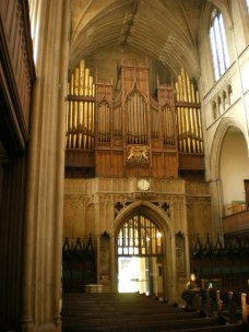 St Luke's Church, West End and Organ, Alexander P Kapp, 2009, CC BY-SA 2.0