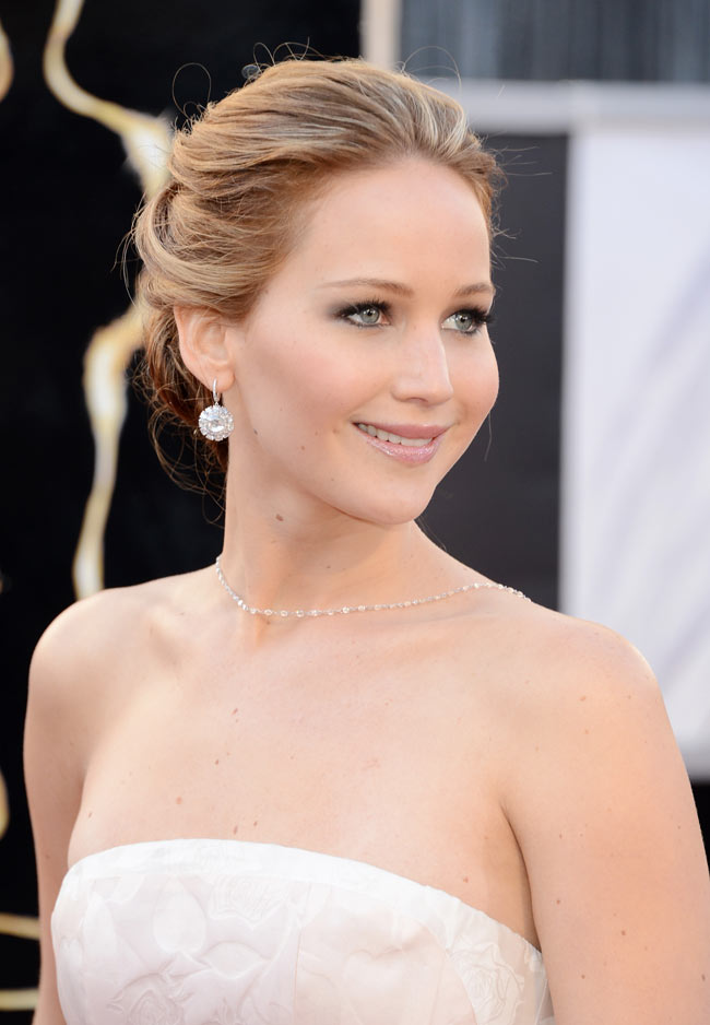 WTFSG-jennifer-lawrence-dior-haute-couture-85th-academy-awards-3