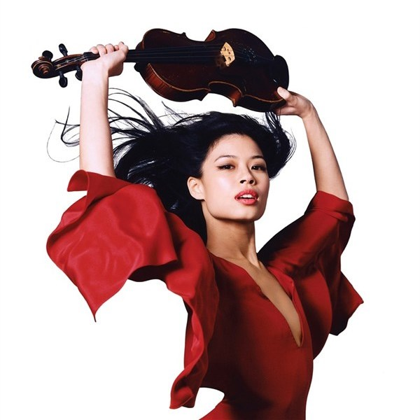 WTFSG_vanessa-mae-is-the-new-ambassador-for-omega