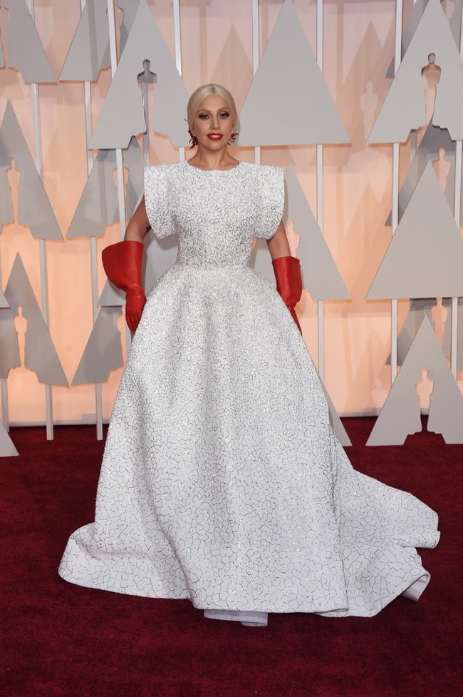 WTFSG_lady-gaga-white-embroidered-azzedine-alaia-dress-oscars-2015