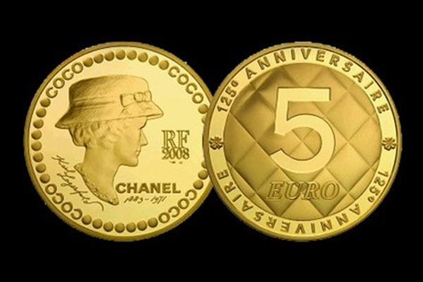 WTFSG_karl-lagerfeld-designs-collector-coco-chanel-coins