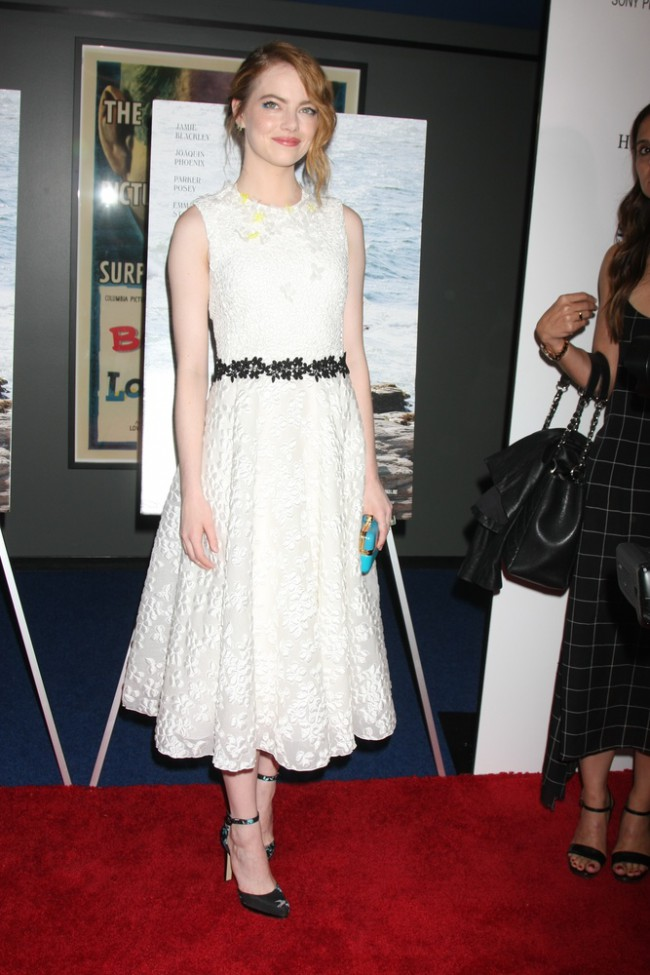 WTFSG_Emma-Stone-White-Giambattista-Valli-Dress_1