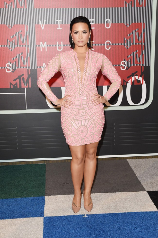 WTFSG_2015-mtv-video-music-awards-style_Demi-Lovato