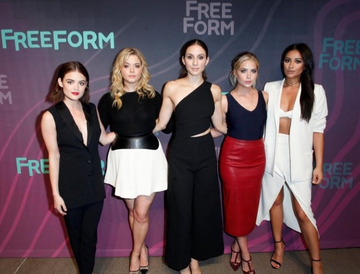 WTFSG_Pretty-Little-Liars-Cast-Freeform-2016-Upfronts