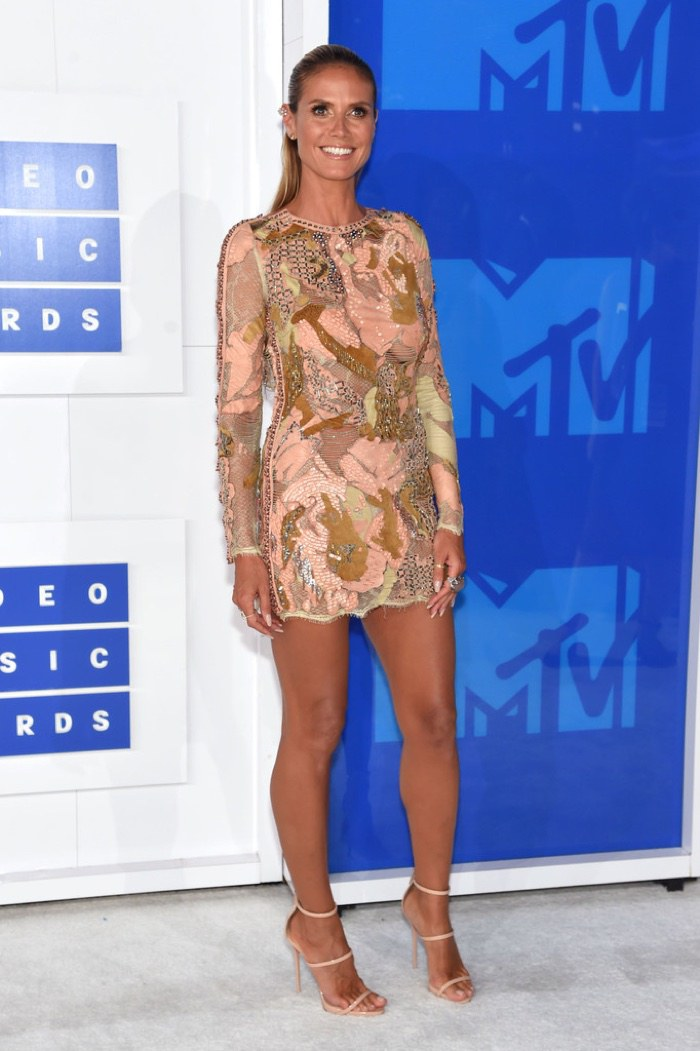 heidi-klum-sequin-dress-2016-mtv-vmas