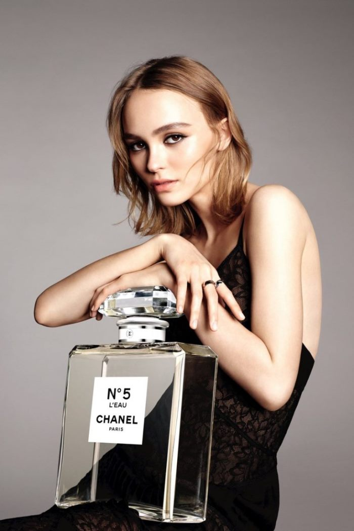 wtfsg_lily-rose-depp-chanel-leau-no-5