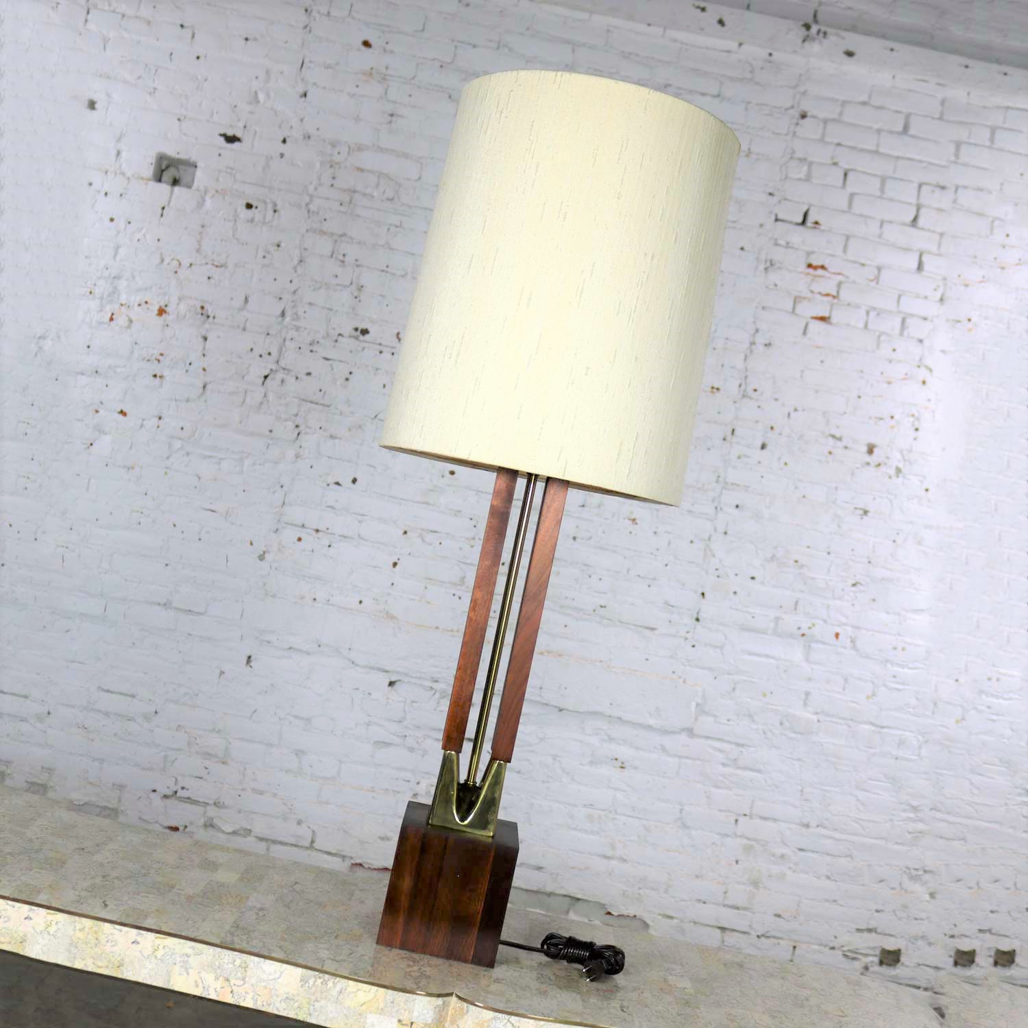 39a45d52848f9 Mid Century Modern Large Scale Walnut and Brass Lamp Attributed to Laurel  Lamp Mfg.