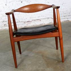 Hans Wegner CH 35 Chair for Carl Hansen and Son Vintage Scandinavian Modern in Teak