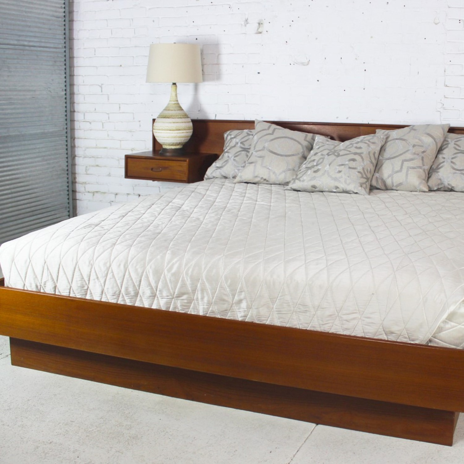 Vintage Scandinavian Modern Teak King Platform Bed With Attached Night Stands Warehouse 414