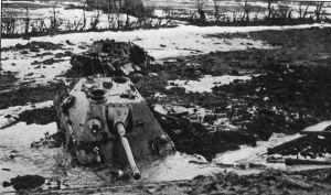 jadgpanzer-stuck-in-mud