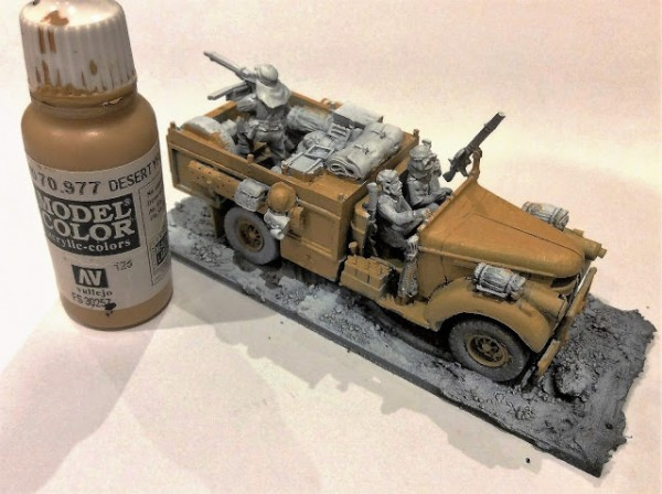 Bolt Action Pintando LRDG Color Base