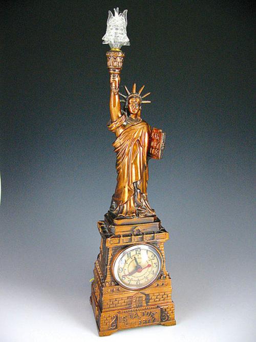 Statue of liberty lamp  The Wonders of Lights  Warisan