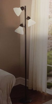 10 facts about Track tree floor lamp | Warisan Lighting