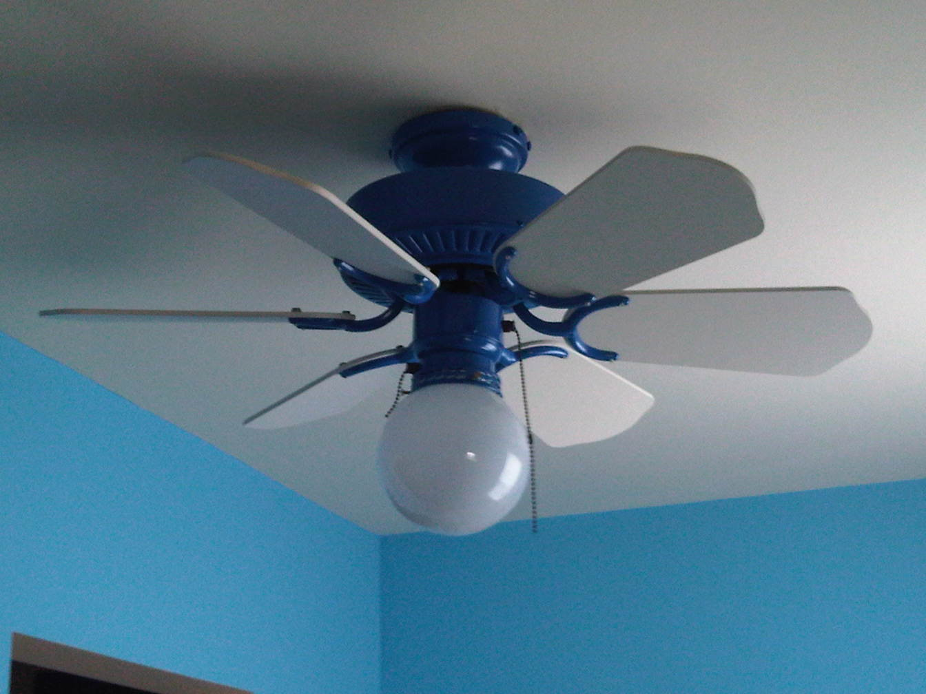 Blue ceiling fans  Choosing the best by setting the first