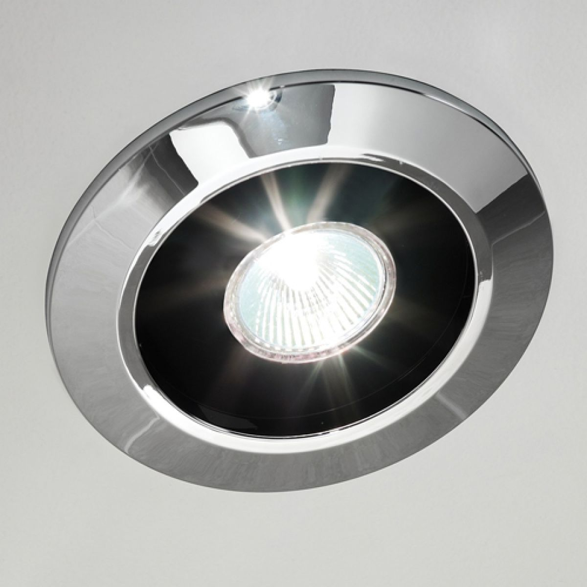 Decorate your bathroom with Extractor fan ceiling