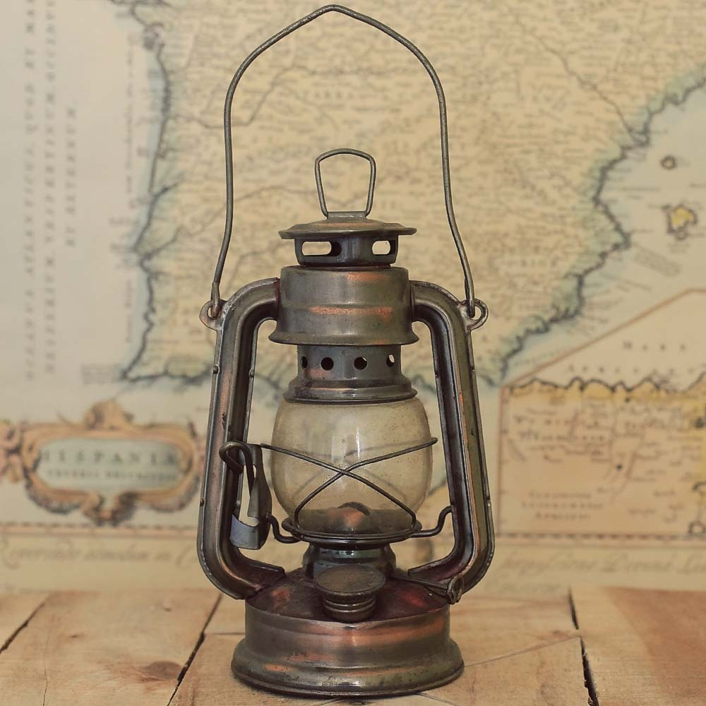 10 Reasons To Buy Antique Oil Lamps Warisan Lighting