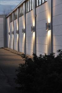 Modern Outdoor Wall Lighting   www.pixshark.com - Images ...