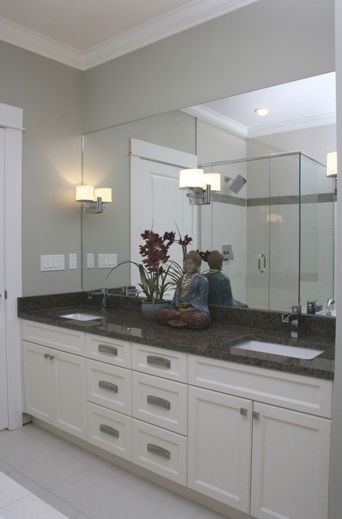 See the Difference with a Wall Mounted Light up Mirror
