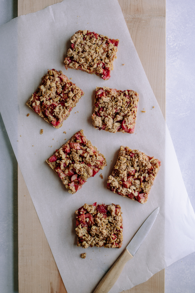 Strawberry-Rhubarb Crumble Bars — warmandrosy.com