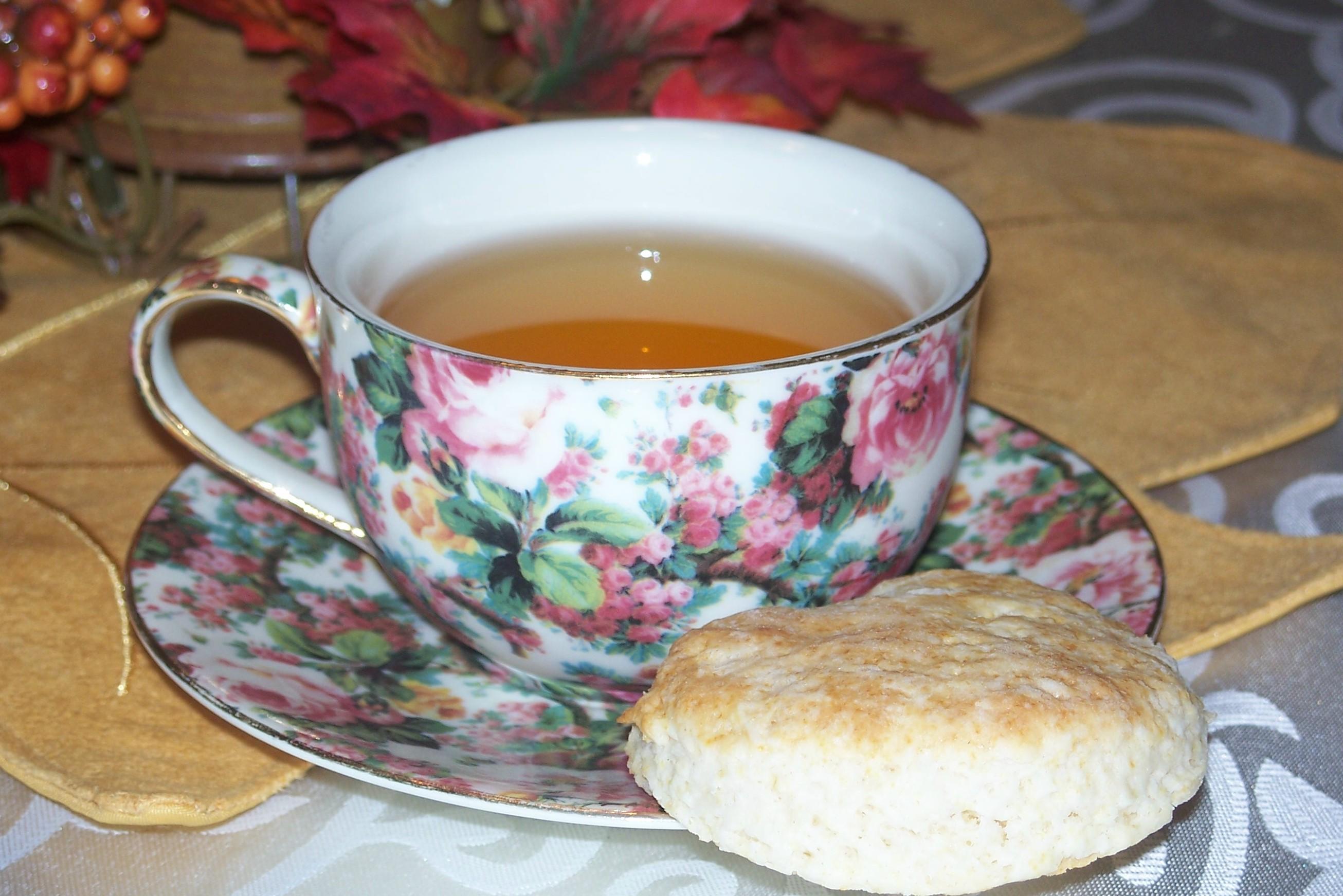 tea and bisquit