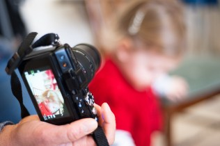 Family photography workshop at Lattjo Pop in Streatham, photographed by Anna Hindocha/Warm Glow Photo.