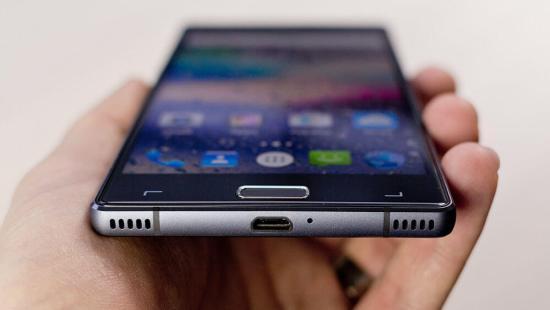 Arête inférieure du smartphone
